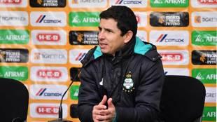 Jorge Macías en conferencia de prensa