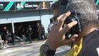 El spotter de Renault (vigilante táctico) mirando a los Mercedes en...