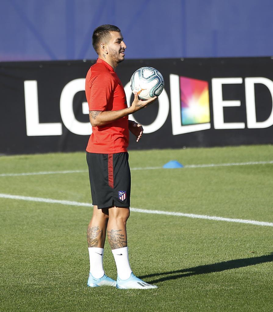 Correa durante un entrenamiento con el Atlético