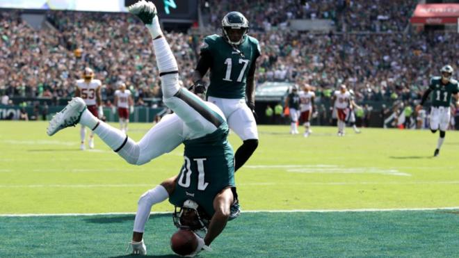DeSean jackson celebra su primer touchdown contra los Redskins