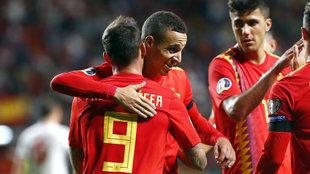 Rodrigo celebra un gol con España.