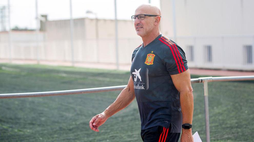 Luis de la Fuente tras el entreno de la Selección sub 21