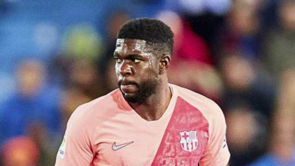 Umtiti suffers foot injury, adding to Barcelona fitness woes