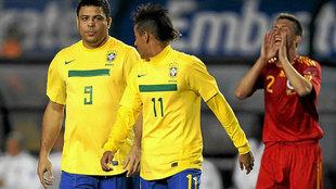 Ronaldo y Neymar, con Brasil en 2011.