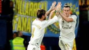 Ramos y Bale celebran un gol del galés ante el Villarreal.