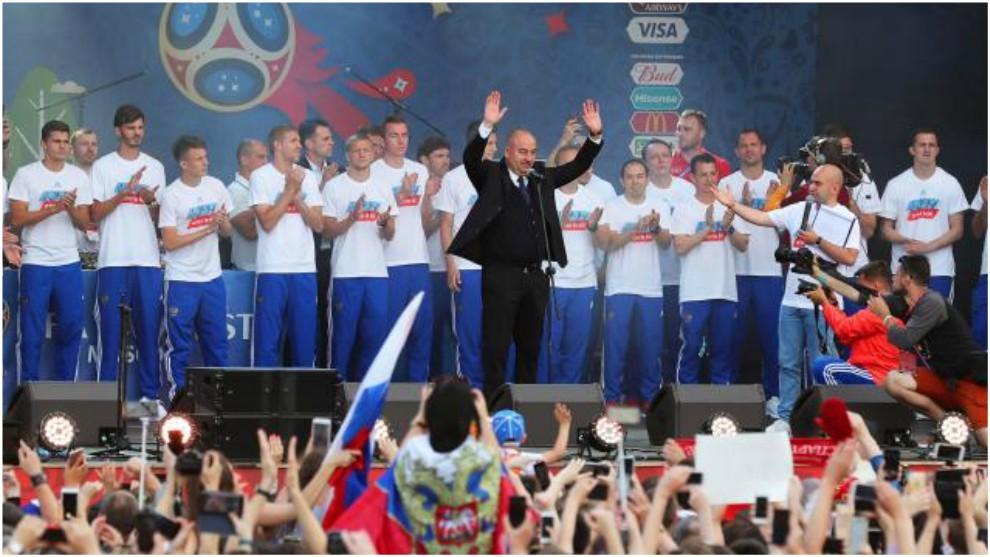 Cherchesov y Rusia, homenajeados por su buen papel en el Mundial de...