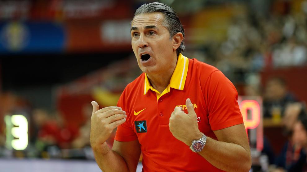 Sergio Scariolo durante el partido ante Polonia