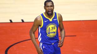 Kevin Durant en un partido con los Warriors