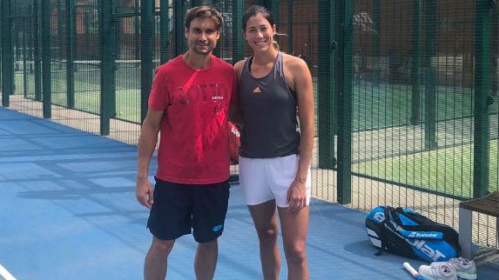 Ferrer y Garbiñe posan tras el entrenamiento
