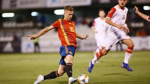 Dani Olmo, durante el partido ante Montenegro.