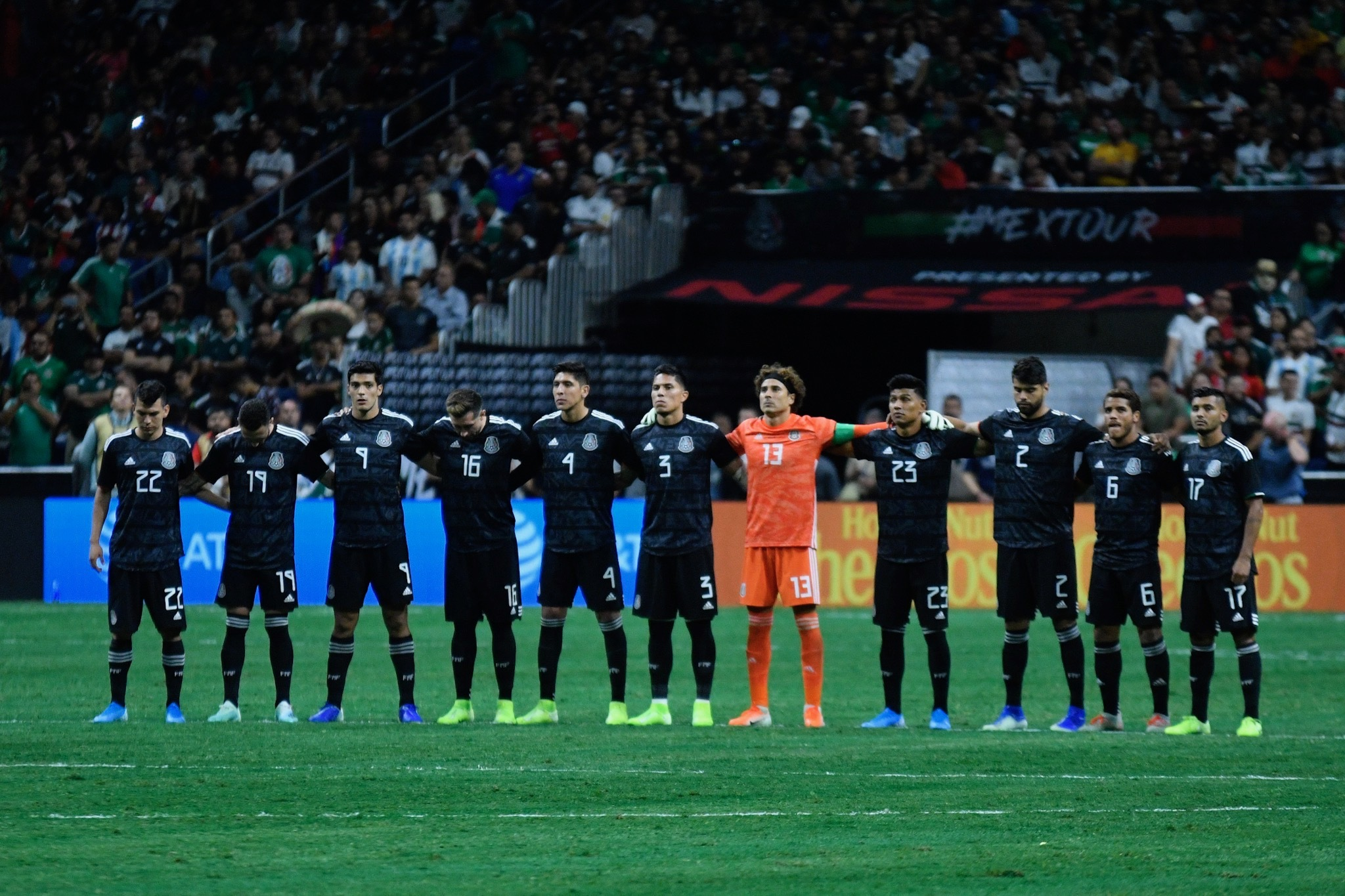 Resultado de imagen para Fotos goles argentina 4-0 a México, alamodome