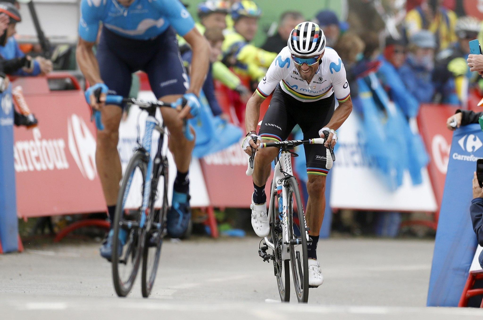 GRAF9010. ALTO DE CUBILLA (LENA), 09/09/2019.- El ciclista murciano del equipo Movistar y campeón del Mundo, <HIT>Alejandro</HIT><HIT>Valverde</HIT>, a su llegada a meta al término de la decimosexta etapa de la Vuelta a España 2019, con salida en Pravia y meta en el Alto de la Cubilla (Lena), y un recorrido de 144,4 kilómetros. EFE/Javier Lizón