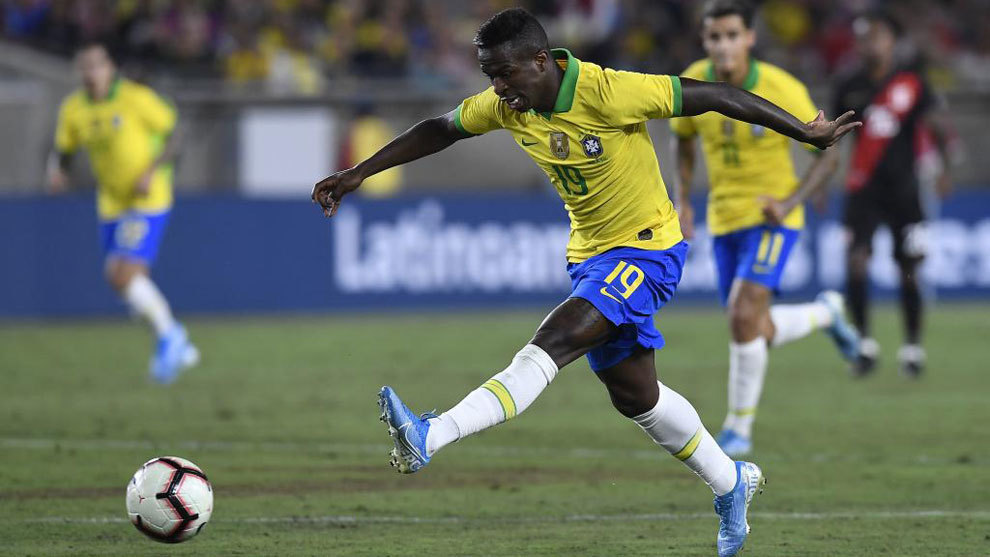 Vinicius Junior in action for Brazil.
