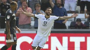 Borja Bastón celebra un gol con el Swansea.