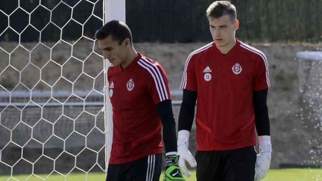 Masip and Lunin prepare to do spec training