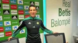 Merino, en su etapa como técnico del Betis