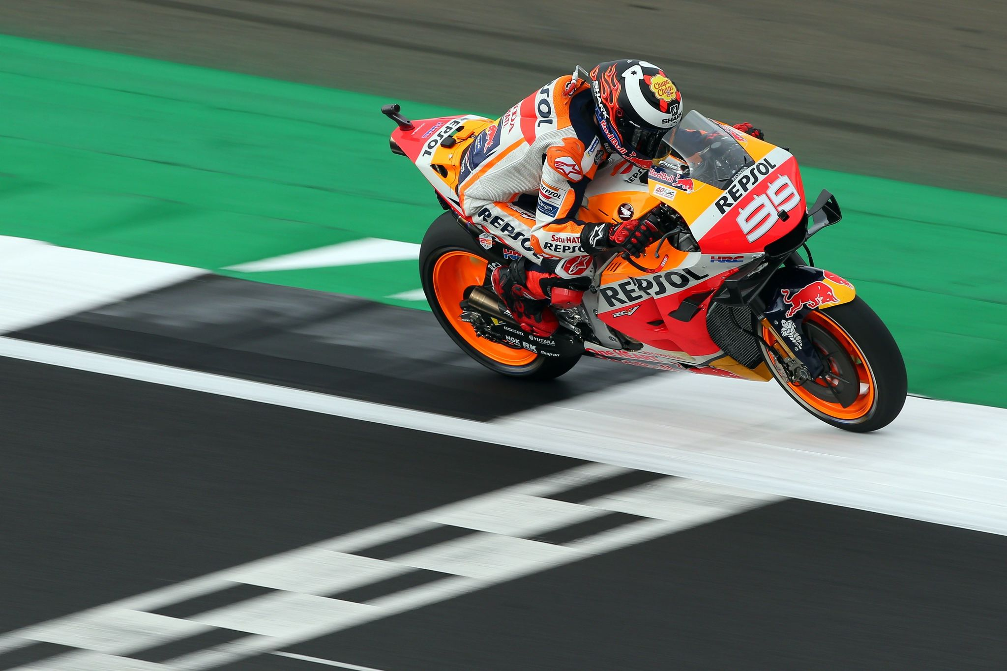 Northampton (United Kingdom), 23/08/2019.- Spanish MotoGP rider <HIT>Jorge</HIT><HIT>Lorenzo</HIT> of Repsol Honda Team in action during the free practice session of the 2019 Motorcycling Grand Prix of Britain at the Silverstone race track, Northampton, Britain, 23 August 2019. (Motociclismo, Ciclismo, Reino Unido) EFE/EPA/TIM KEETON
