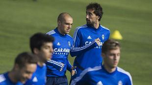 Íñigo Eguaras junto a Jorge Pombo en un entrenamiento.