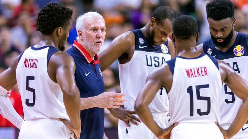 Popovich y los jugadores de Estados Unidos