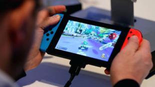 9.999 horas, el límite del contador de Nintendo Switch.