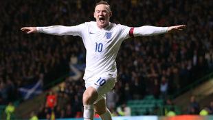 Wayne Rooney (33) celebrando un gol con Inglaterra.