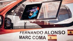 Fernando Alonso, en su Toyota Hilux.