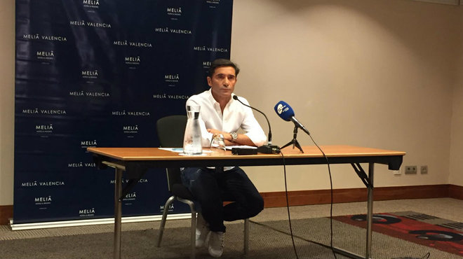 Marcelino during the press conference he held at a hotel in Valencia.