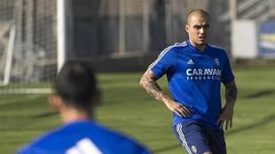 Pombo, durante un entrenamiento reciente del Zaragoza
