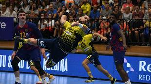 Imagen del partido de la Liga Asobal entre el Barcelona y el Bidasoa,...