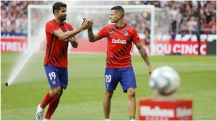 Diego Costa and Vitolo during a warm-up.