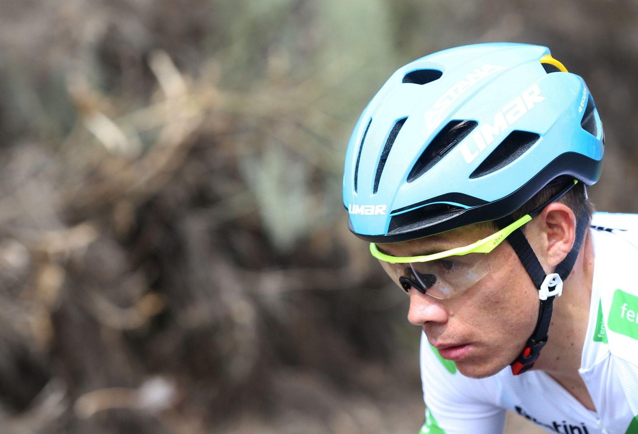 """GRAF2285. ARENAS DE SAN PEDRO (ÁVILA), 14/09/2019.- El ciclista colombiano del equipo Astana, Miguel Ángel López """"Supermán López"""", durante la vigésimo etapa de la <HIT>Vuelta</HIT> a España 2019, que ha partido de la localidad abulense de Arenas de San Pedro y finaliza en la Plataforma de Gredos, tras 190,4 kilómetros de recorrido. EFE/Javier Lizón"""