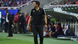 Leandro Cufré al dar indicaciones.