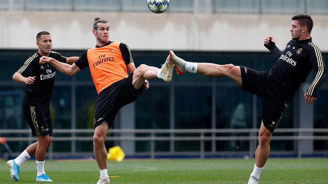 Gareth Bale, Eden Hazard and Luka Jovic during the training session.