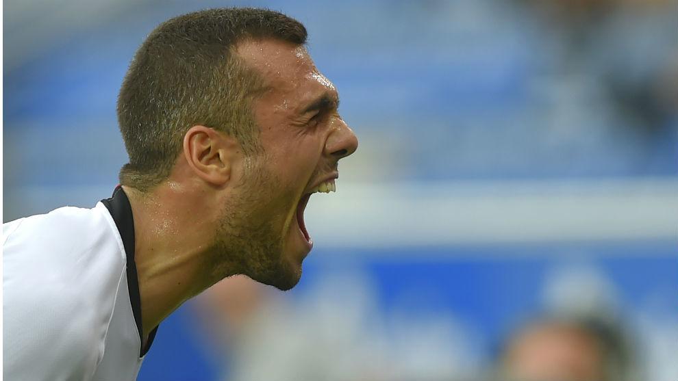 Joan Jordán (25) celebra su gol ante el Alavés en Mendizorroza.