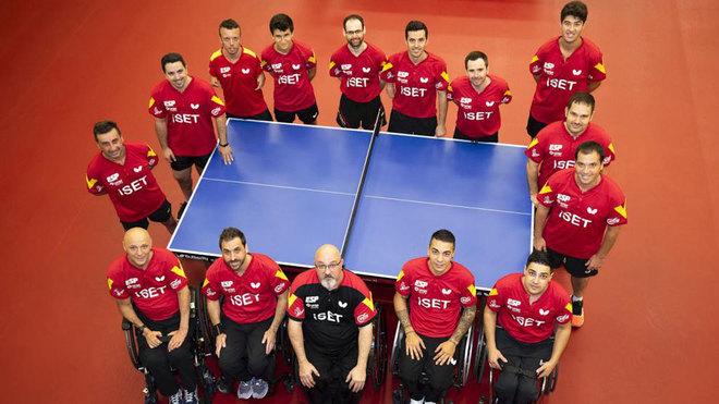 La selección española de tenis de mesa paralímpico antes de partir...