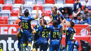 Celebración de los jugadores de Monarcas.