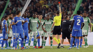 William Carvalho es uno de los cinco jugadores sancionados para la...
