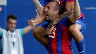 Iván Ramis celebrando su gol al Espanyol