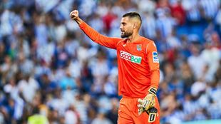 Moyá celebra el triunfo del pasado sábado contra el Atlético.