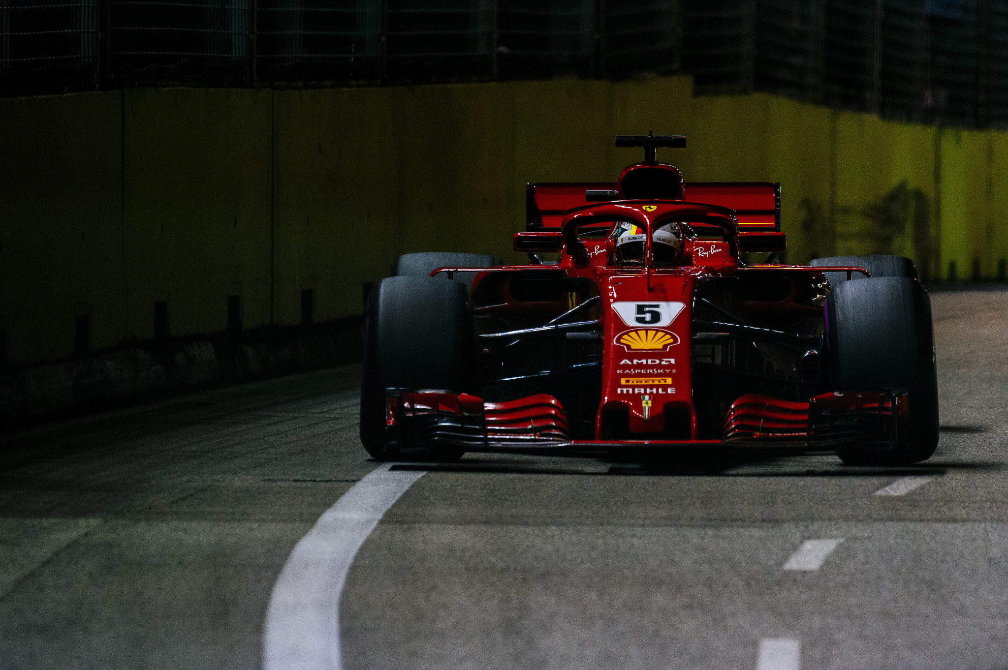 Sebastian Vettel, <HIT>Ferrari</HIT> SF71H. Gran Premio de <HIT>Singapur</HIT> 2018. 15ª prueba del mundial. Circuito callejero de Marina Bay, <HIT>Singapur</HIT>. Domingo 16 de Septiembre, 2018