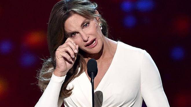 """Caitlyn Jenner confiesa qué ha hecho con su miembro viril: """"Lo he..."""