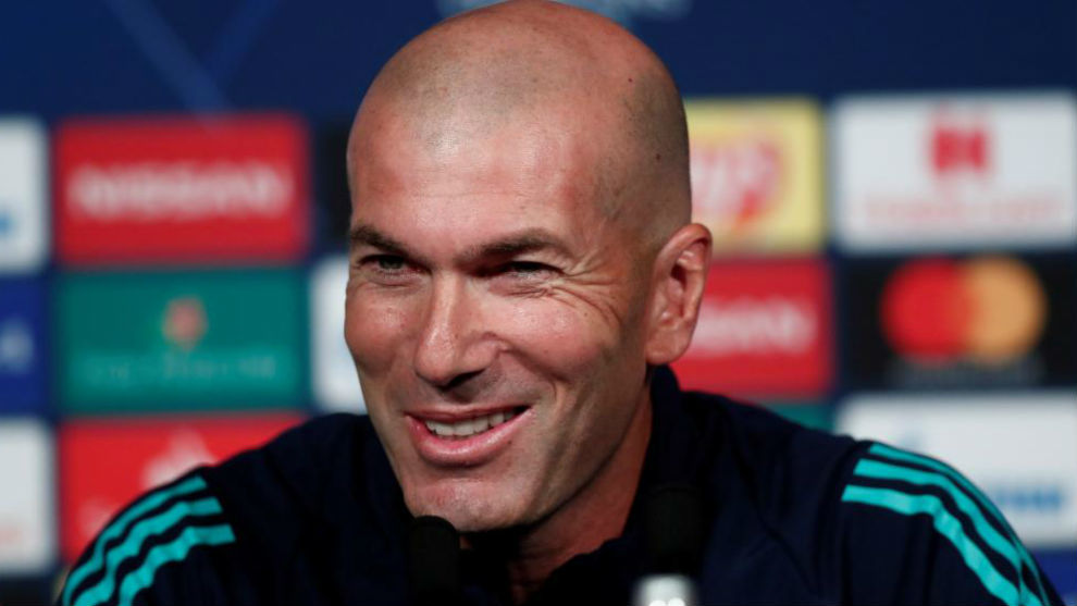 Zinedine Zidane in the press conference at the Parc des Princes.