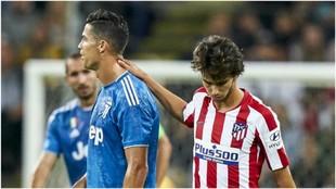 Joao Félix junto a Cristiano Ronaldo