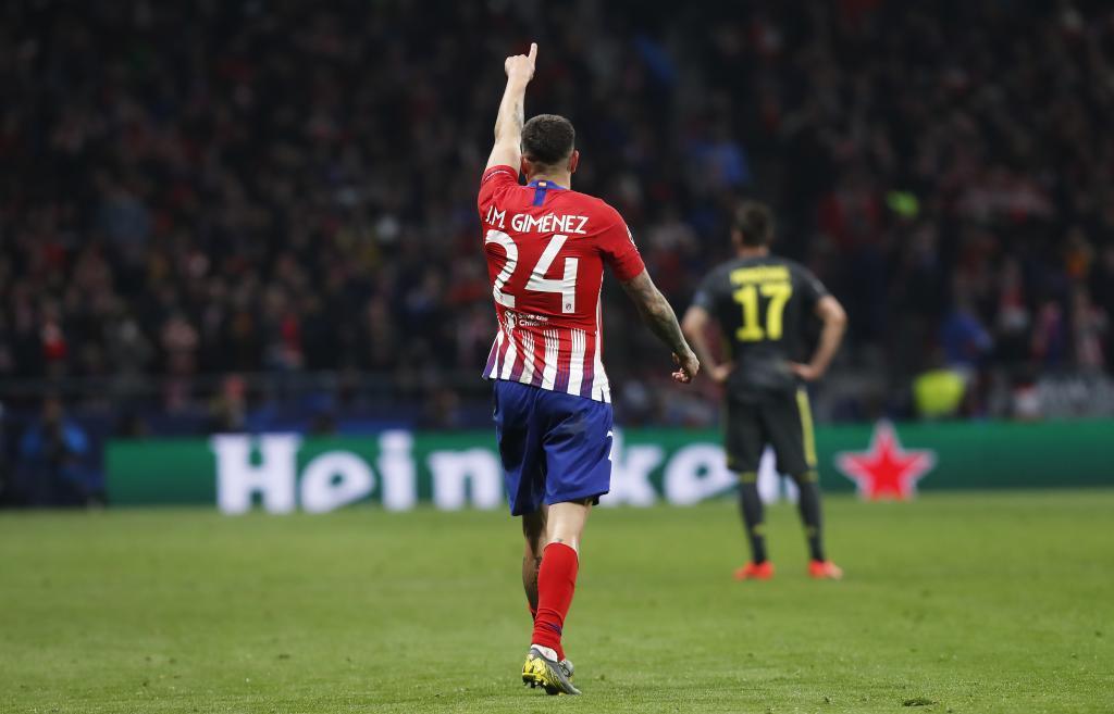Giménez dedicando un gol
