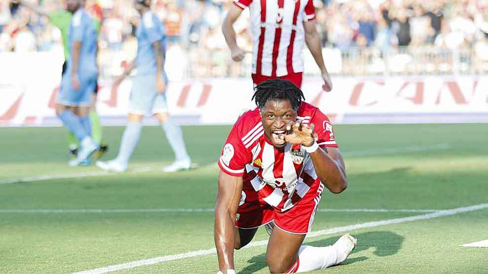 Sekou Gassama celebra como una pantera su primer gol al Girona