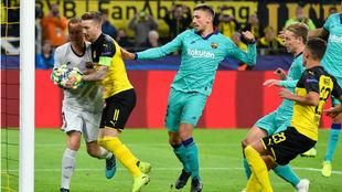 Ter Stegen, tras detener el penalti a Reus con 0-0 en el marcador.