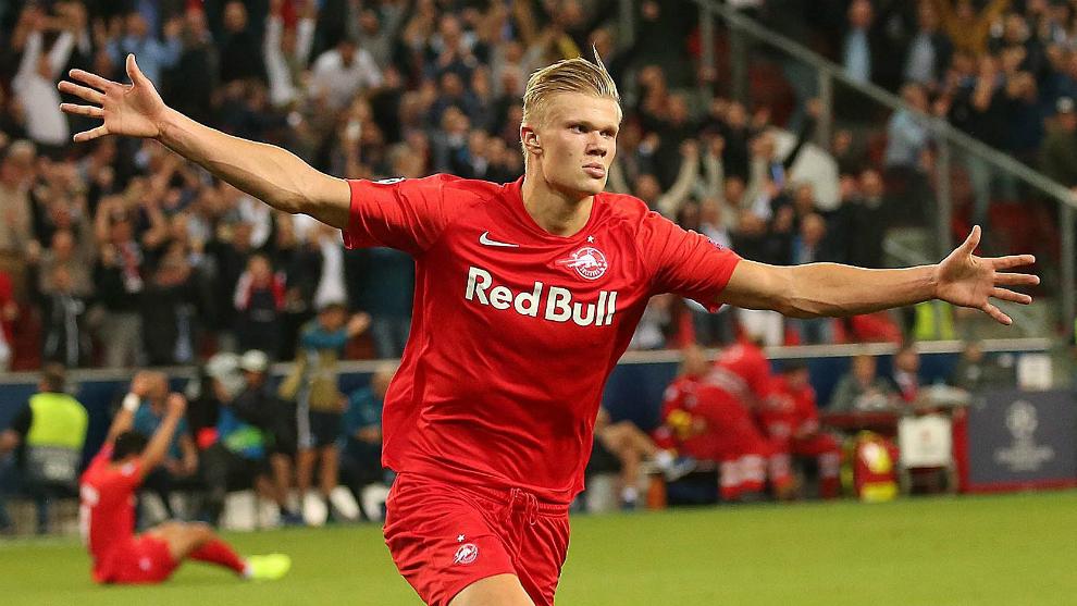 Haaland celebra uno de sus tres goles al Genk