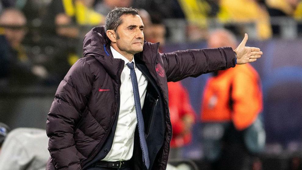 Tân binh 'ủng hộ' thông điệp đuổi cổ HLV Valverde