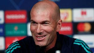 Zidane, en la rueda de prensa en el Parque de los Príncipes
