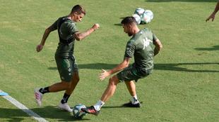 Tello y Javi García, en el entrenamiento de este miércoles.